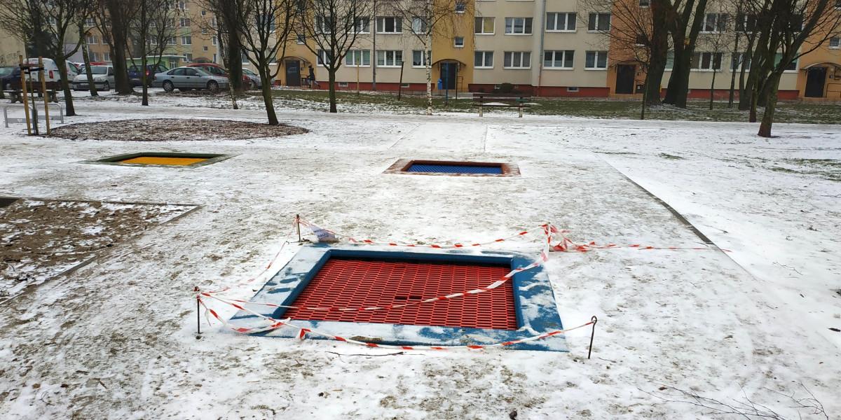 Jedna z oddanych w ubiegłym roku do użytku trampolin na os. Piastowskim dość szybko się popsuła. Usterka została już naprawiona.