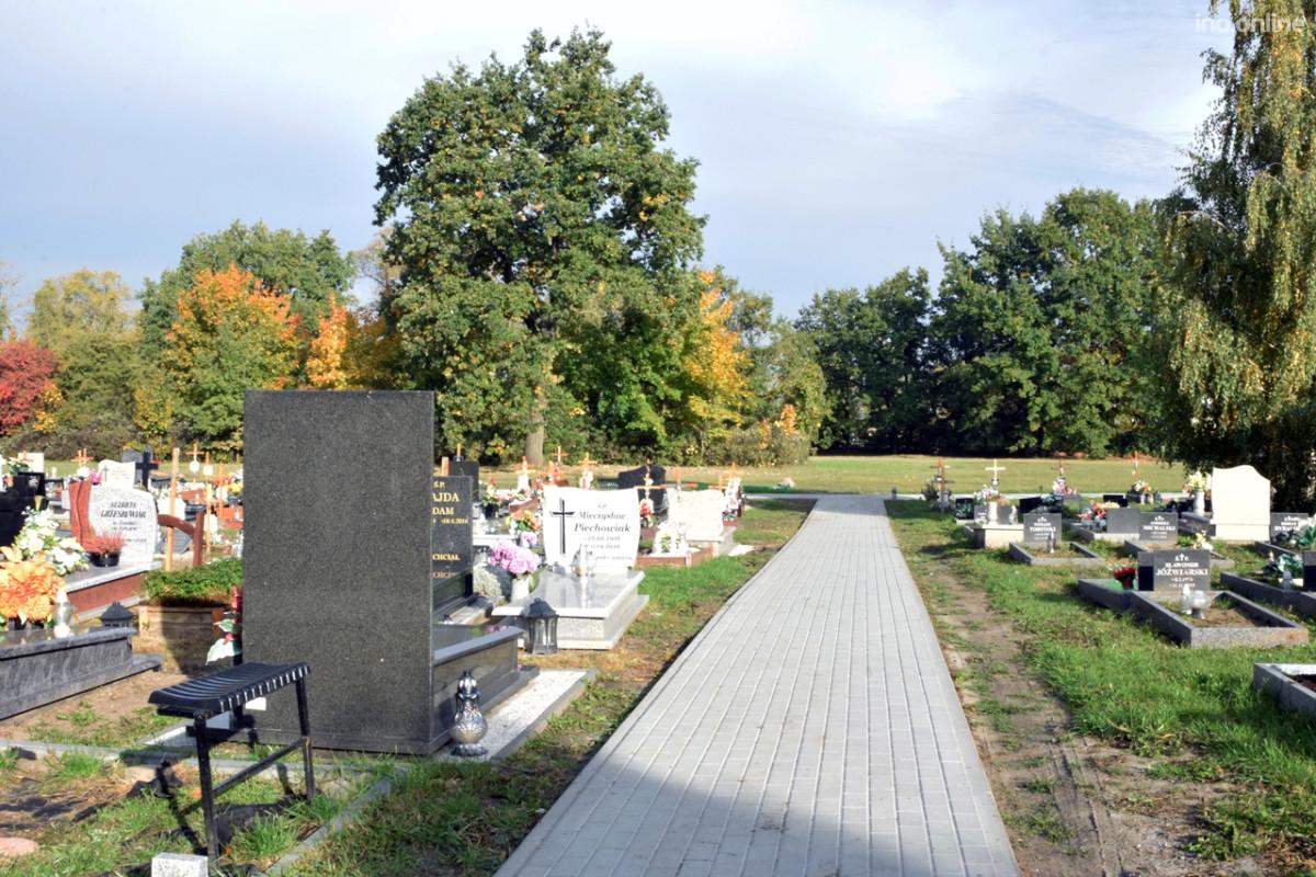 Alejki na cmentarzu komunalnym gotowe 04