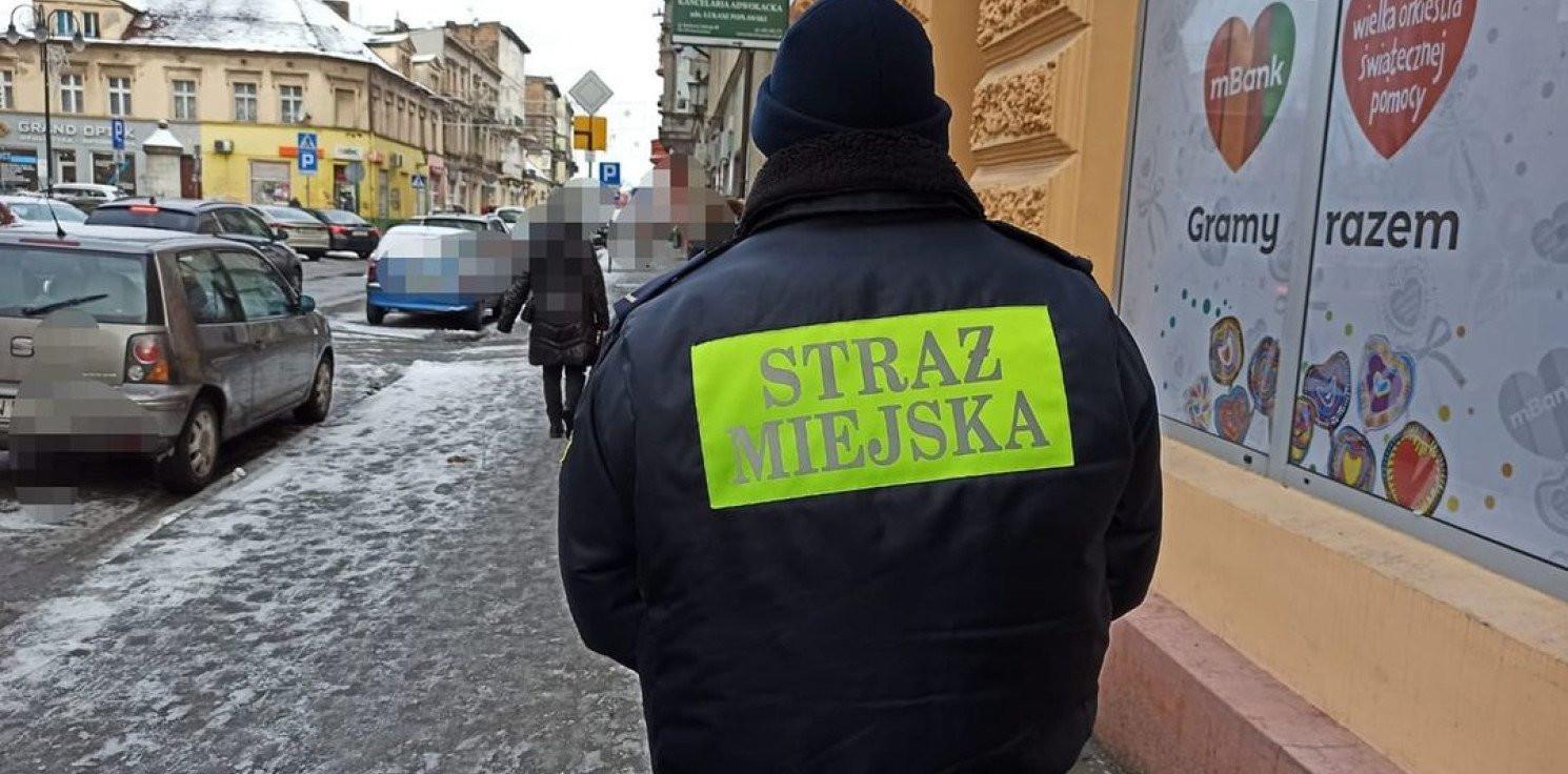 Inowrocław - Będą mandaty za nieodśnieżenie chodnika