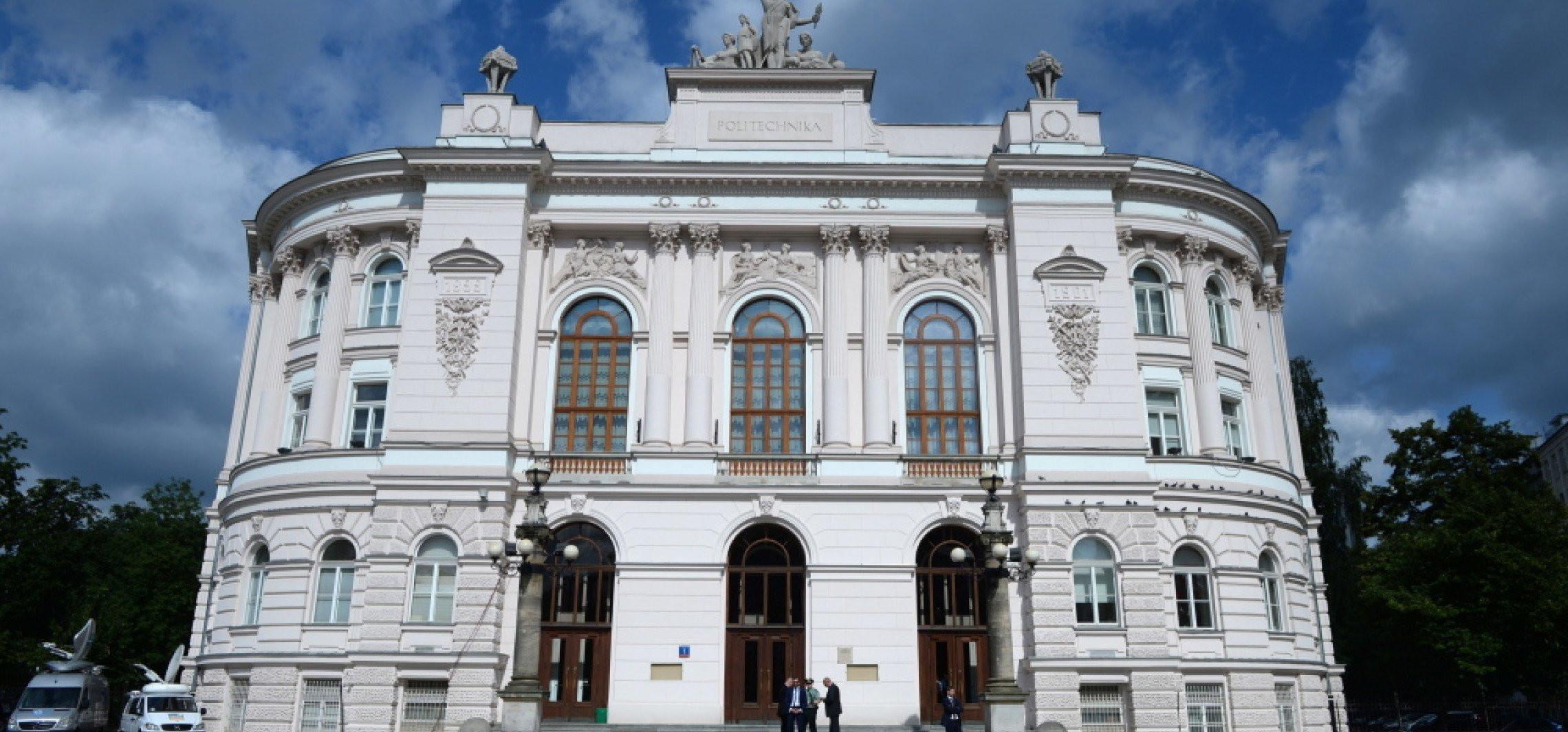 Na Politechnice Warszawskiej trwają prace nad polską szczepionką przeciw COVID-19