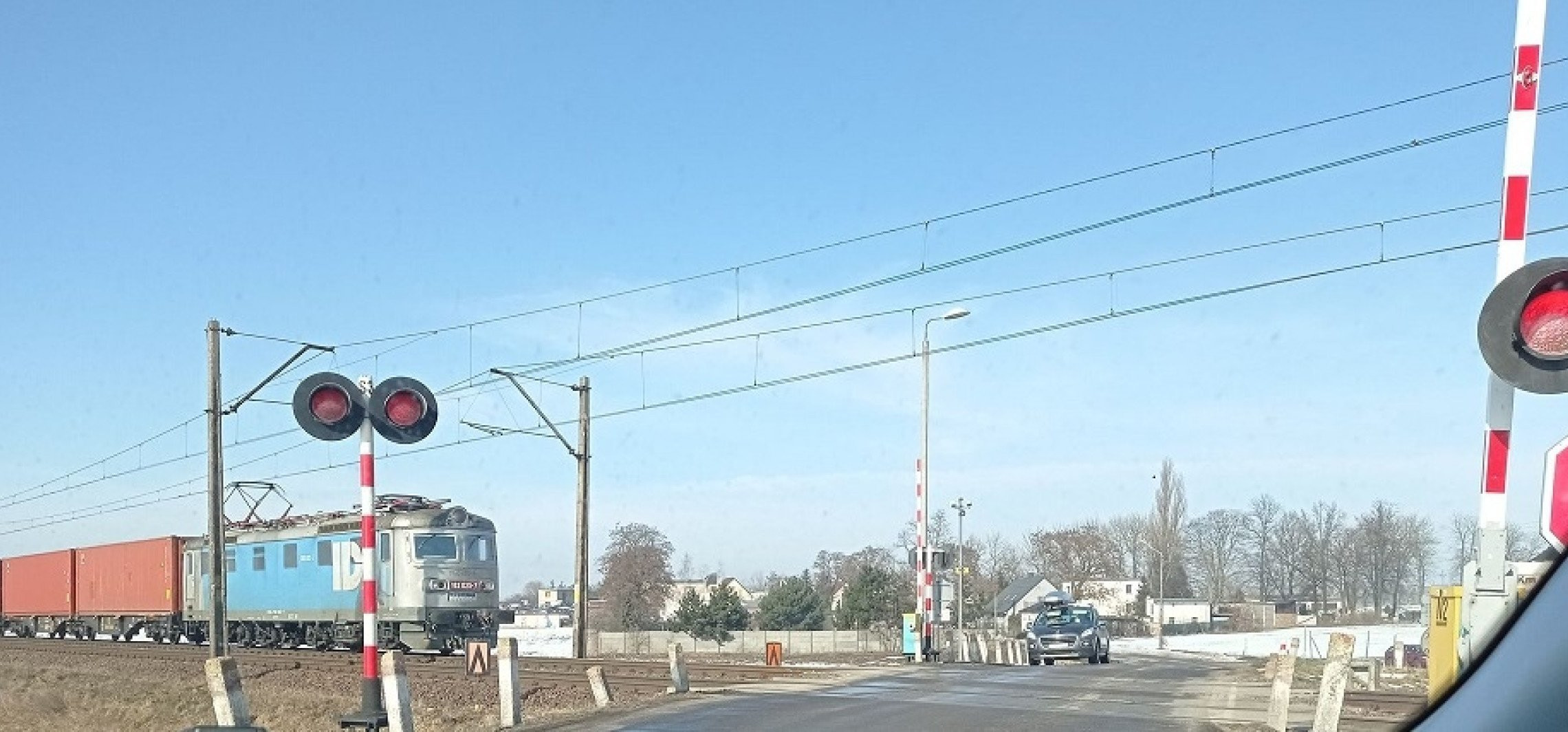 Inowrocław - PKP: sygnalizacja na przejeździe jest sprawna