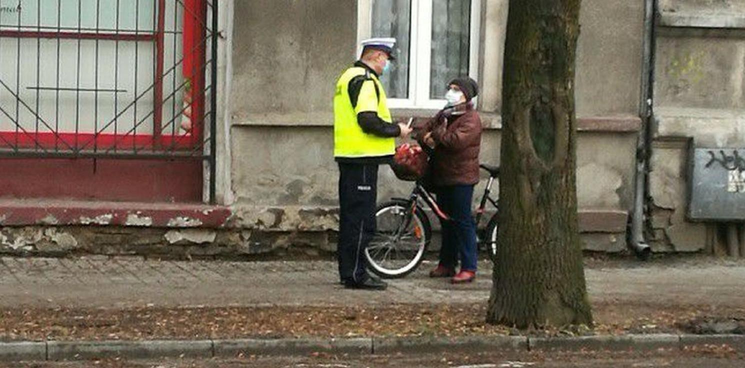 Inowrocław - Policjanci kontrolowali pieszych i rowerzystów
