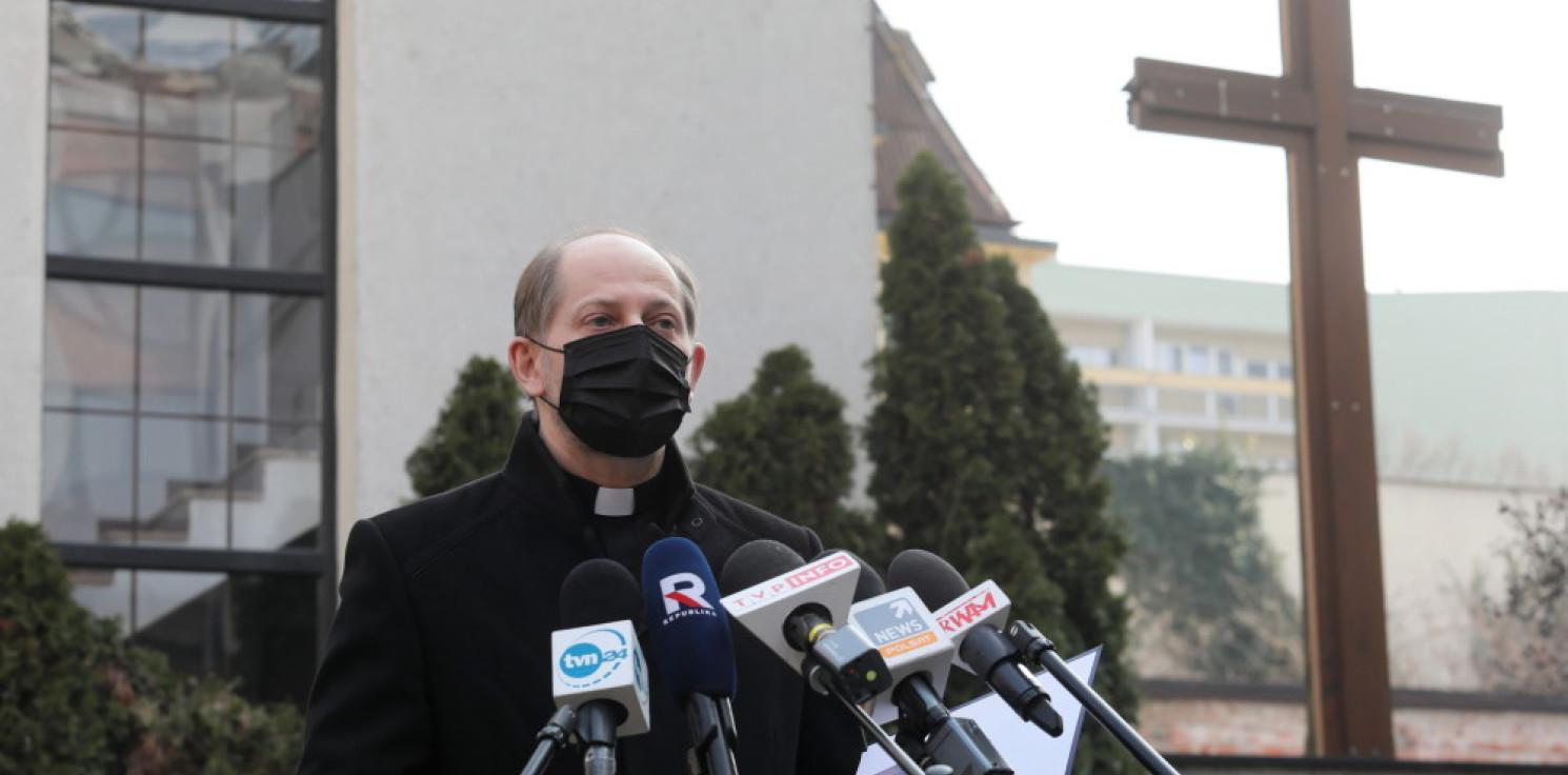 Kraj - Przewodniczący KEP: zwracam się z apelem o przestrzeganie zasad bezpieczeństwa podczas celebracji liturgicznych
