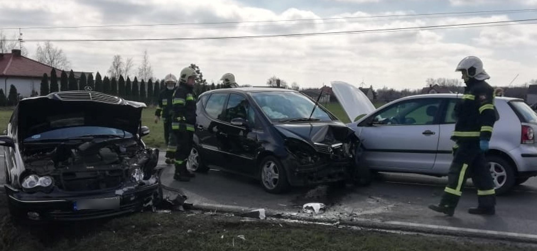 Kruszwica - Zderzenie trzech aut, są ranni