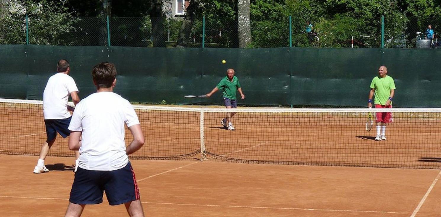 Inowrocław - Na majówkę otworzą korty tenisowe