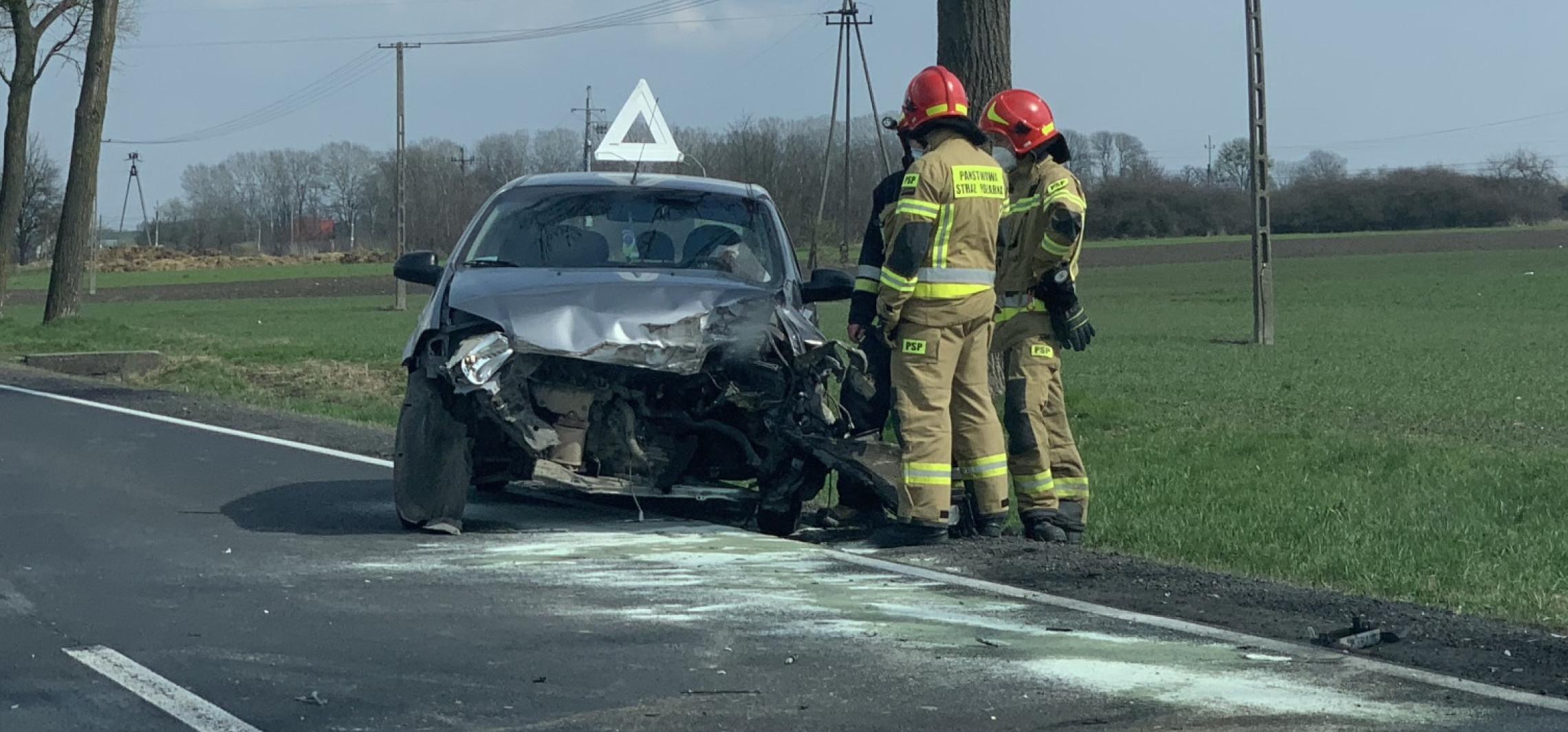 Gniewkowo - Zderzenie samochodu ciężarowego z osobówką