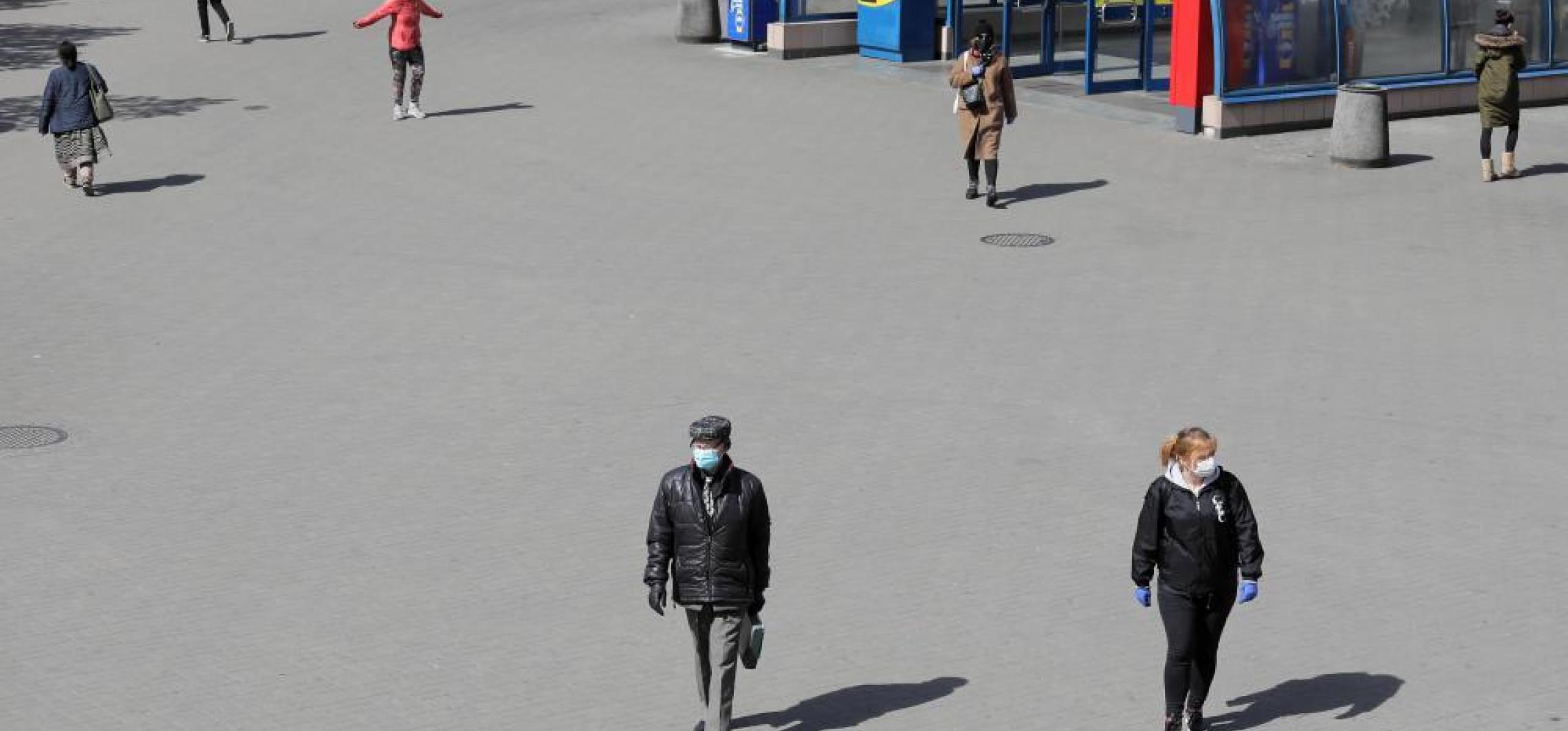 Kraj - Niedzielski: decyzje w sprawie noszenia maseczek na świeżym powietrzu - za tydzień
