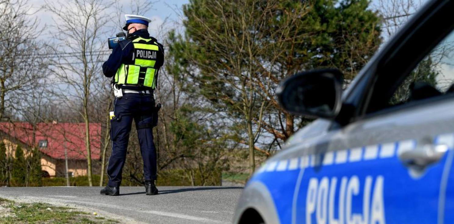 Kraj - KGP: więcej policjantów na drogach w czasie majówki. Wciąż panuje stan epidemii