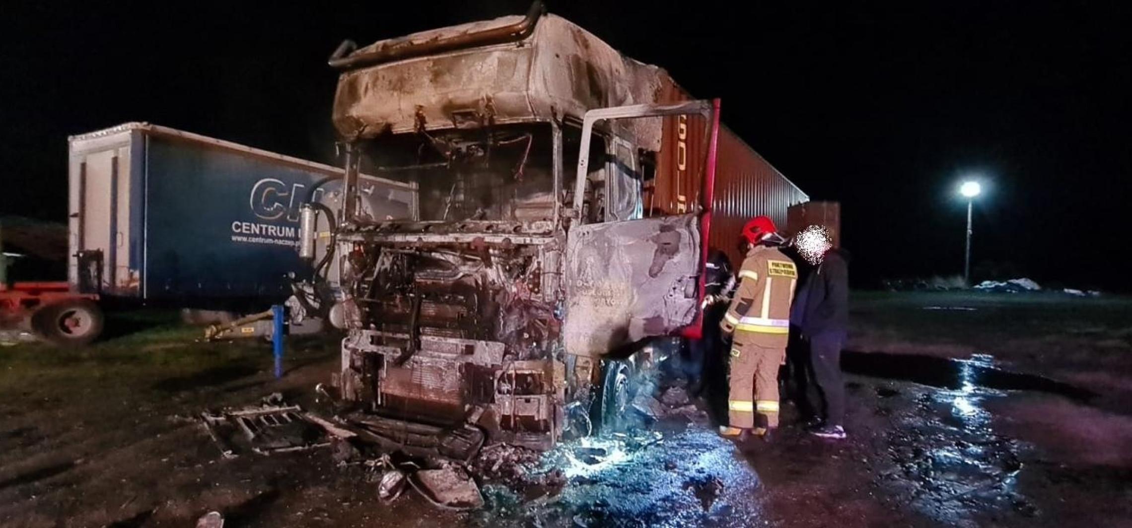 Region - W nocy koło Przyjezierza spłonęła ciężarówka