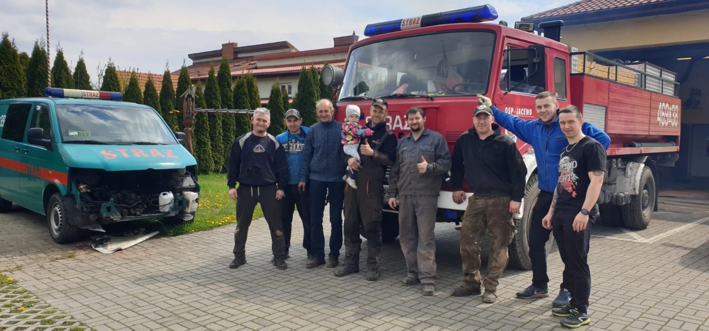 Gmina Inowrocław - Strażacy sami naprawili starego jelcza