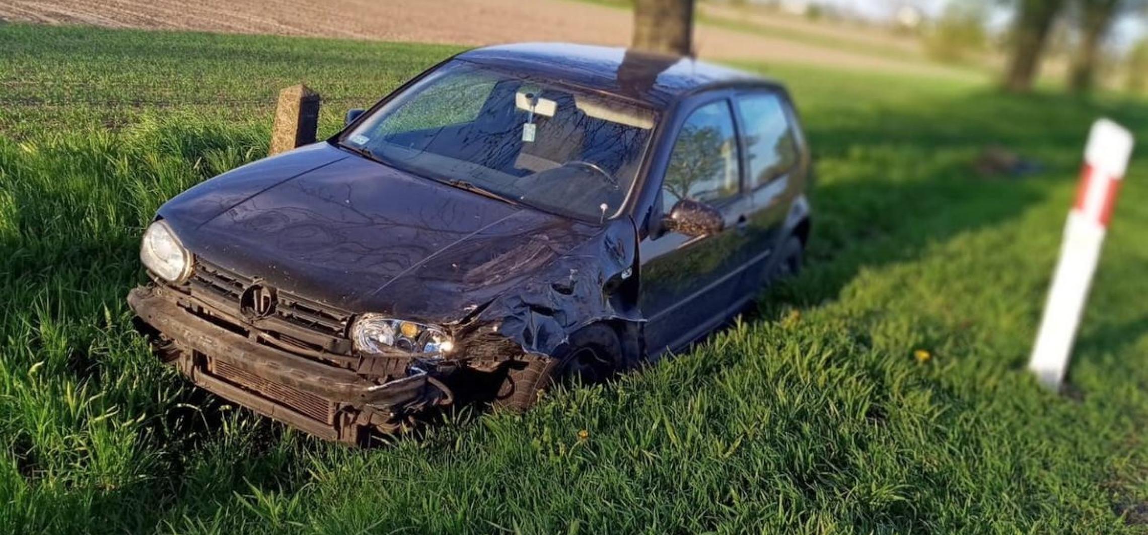 Radziejów - VW wpadł do rowu. Nie wyhamował przed hyundaiem