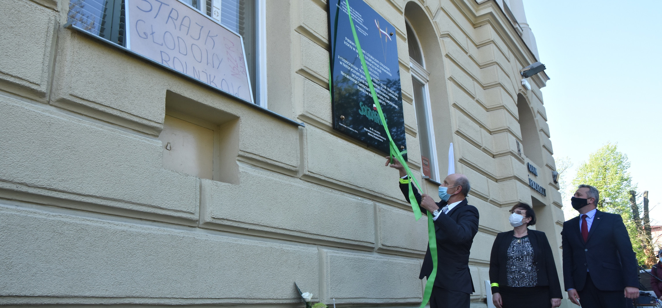 Inowrocław - Odsłonięto tablicę upamiętniającą strajk rolników
