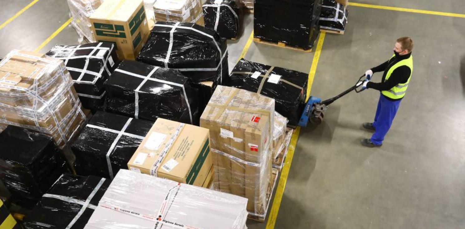 Kraj - MF: od lipca br. do przesyłek z Azji będzie doliczany VAT