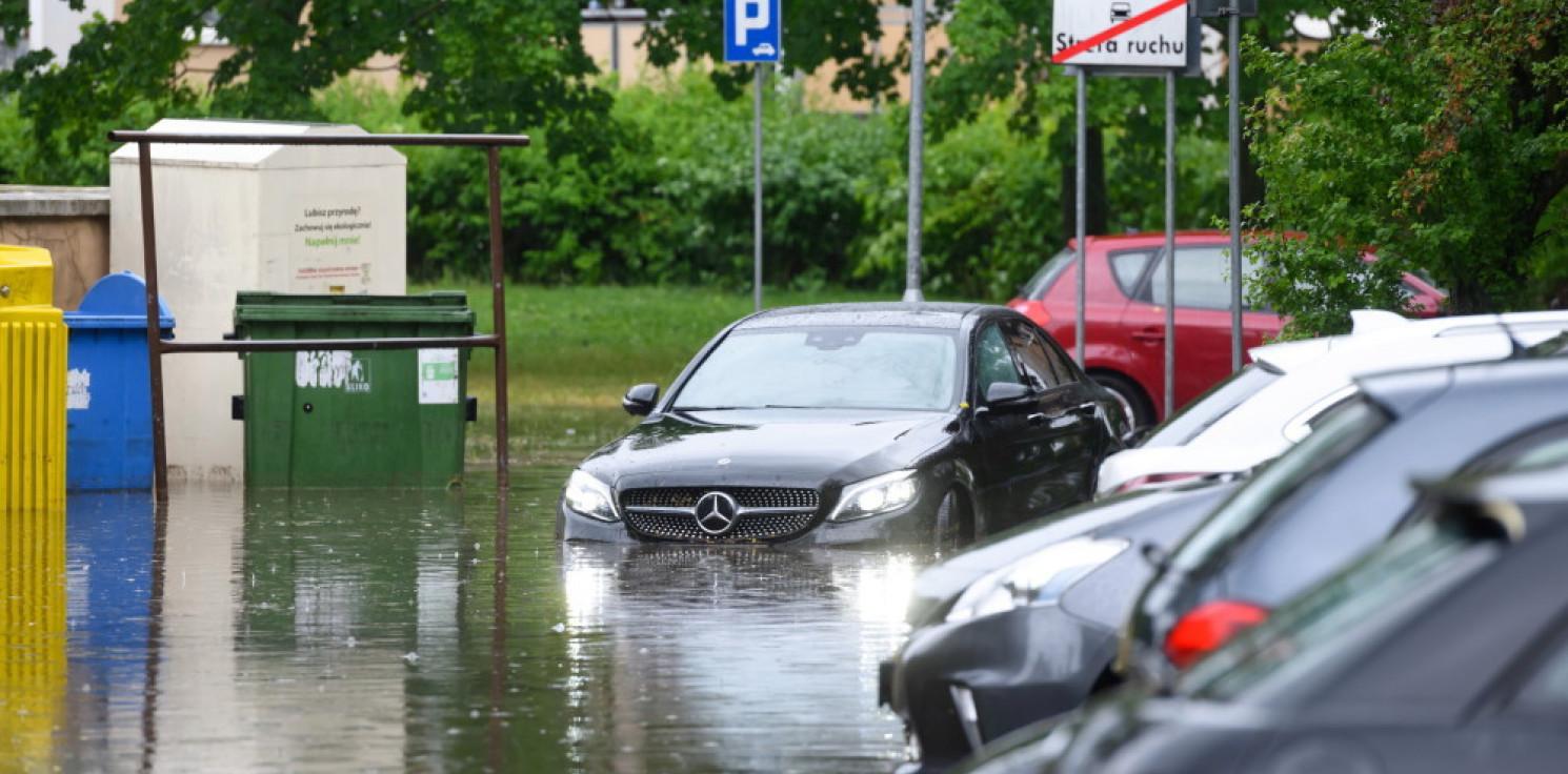 Kraj - IMGW ostrzega przed upałem i burzami niemal w całym kraju