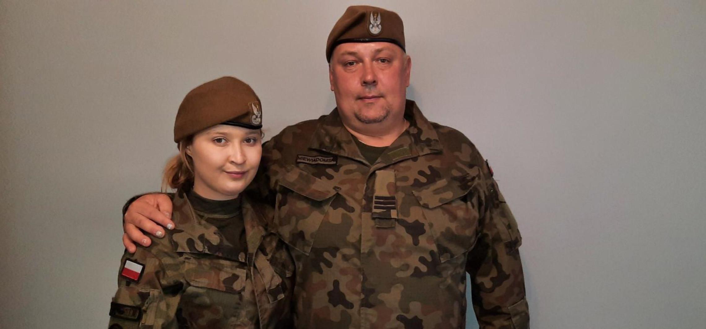 Inowrocław - Dzień Ojca. Tata i córka razem służą w WOT