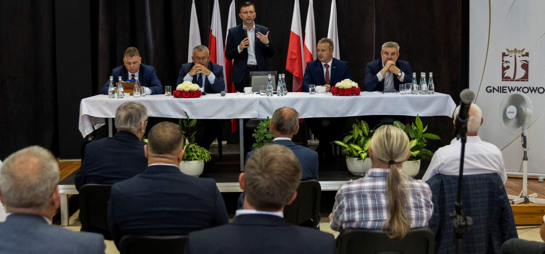 """Gniewkowo - Ruszyli w teren. Przekonują do """"Polskiego Ładu"""""""
