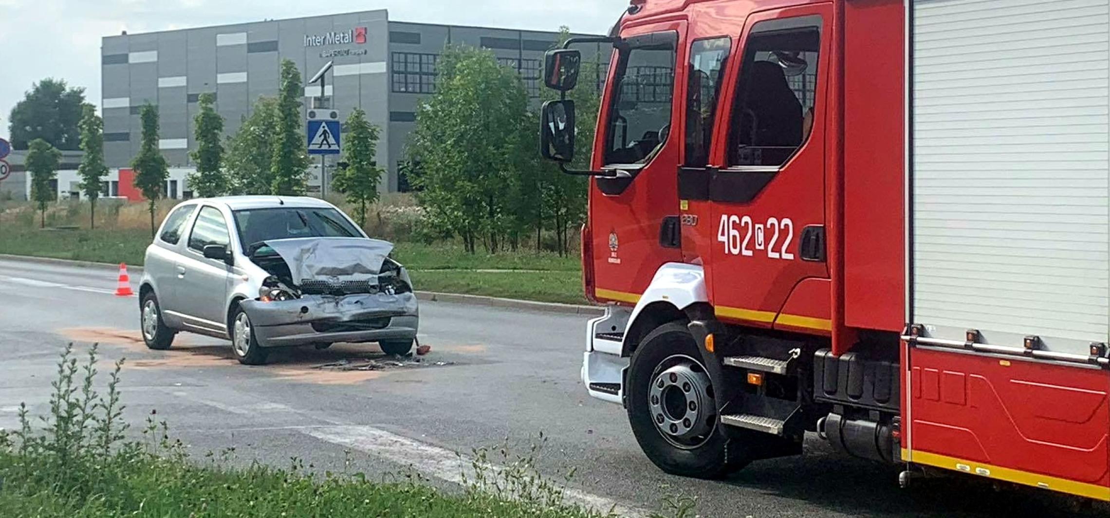 Inowrocław - Zderzenie dwóch osobówek na ulicy Pileckiego