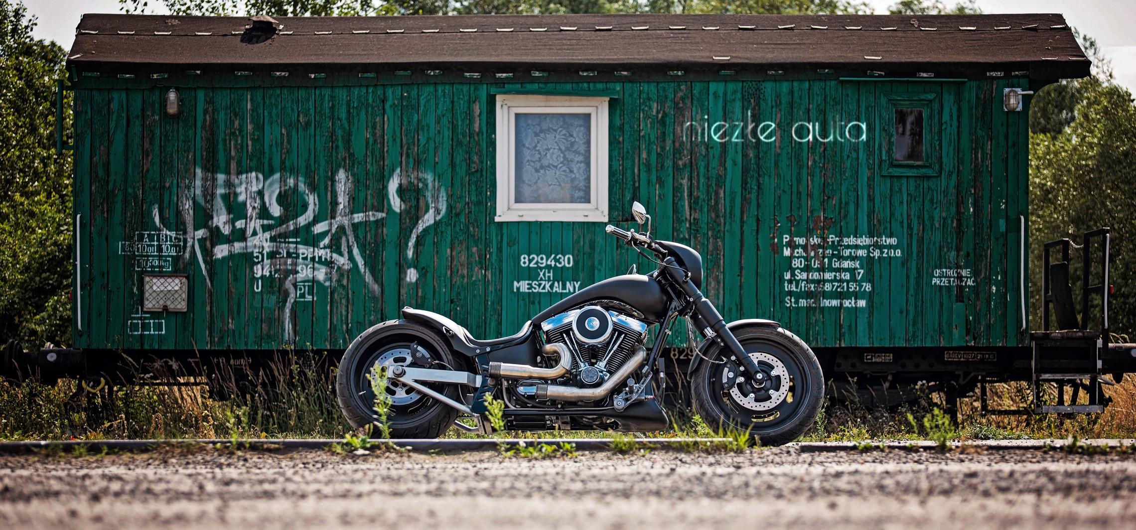 Zbudował sobie motocykl. I to jaki!