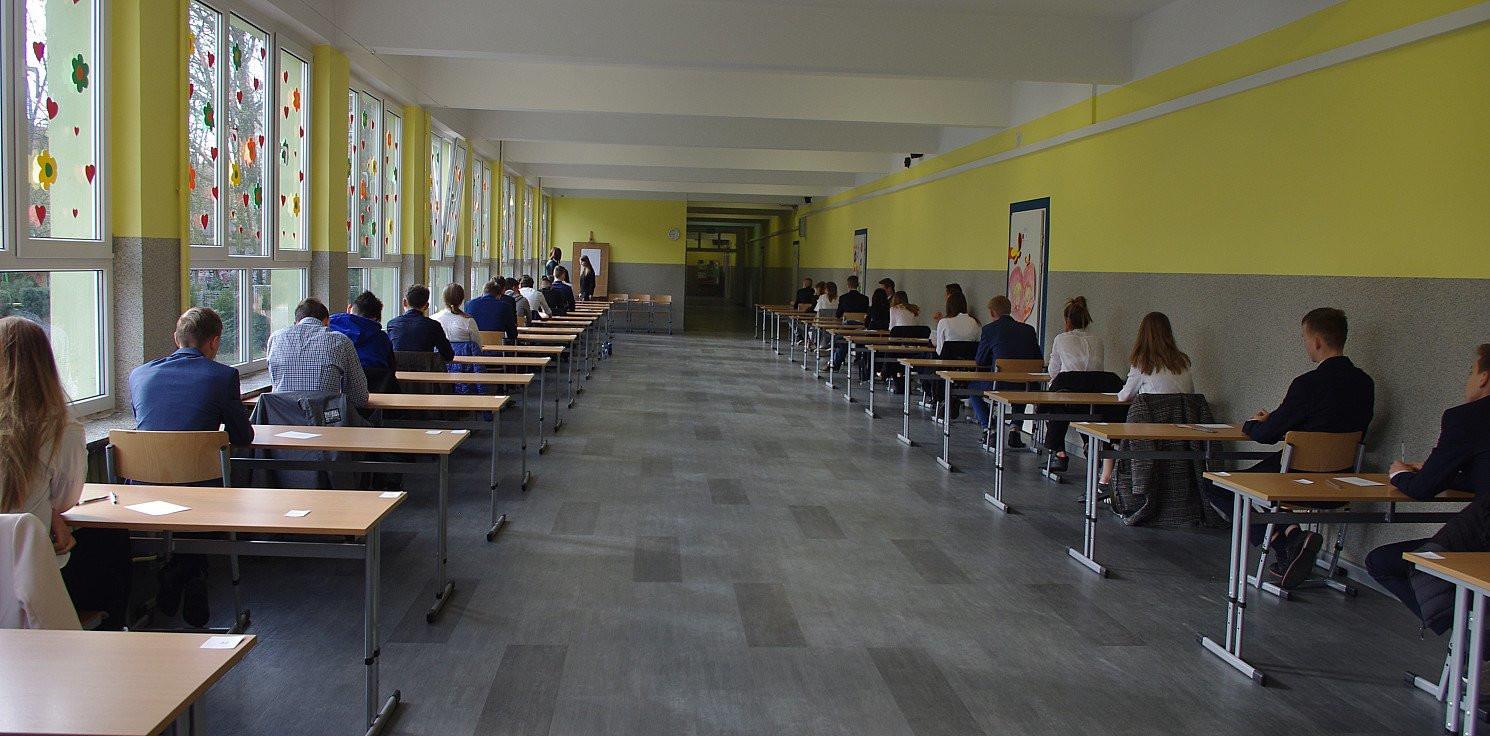 Inowrocław - Powrót do szkół. Dyrektorzy szukają nauczycieli