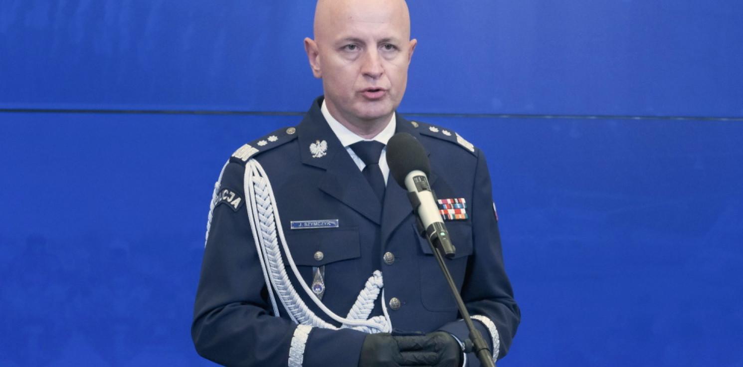 Kraj - Komendant Główny Policji pozywa B. Sienkiewicza za naruszenie dobrego imienia formacji