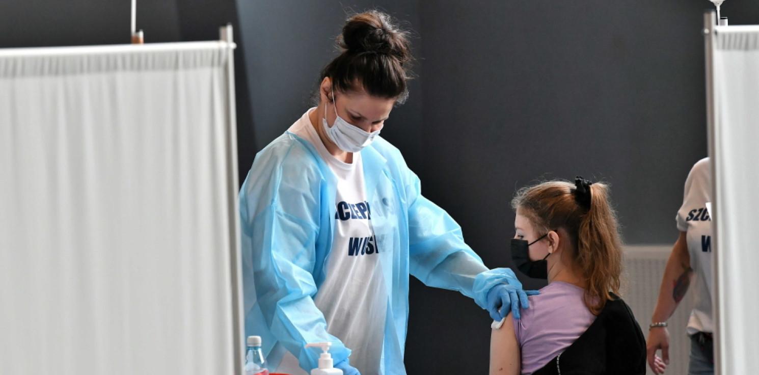 Kraj - Resort zdrowia: rozpoczynamy akcję szczepień w szkołach; sprawdzamy, ile jest deklaracji