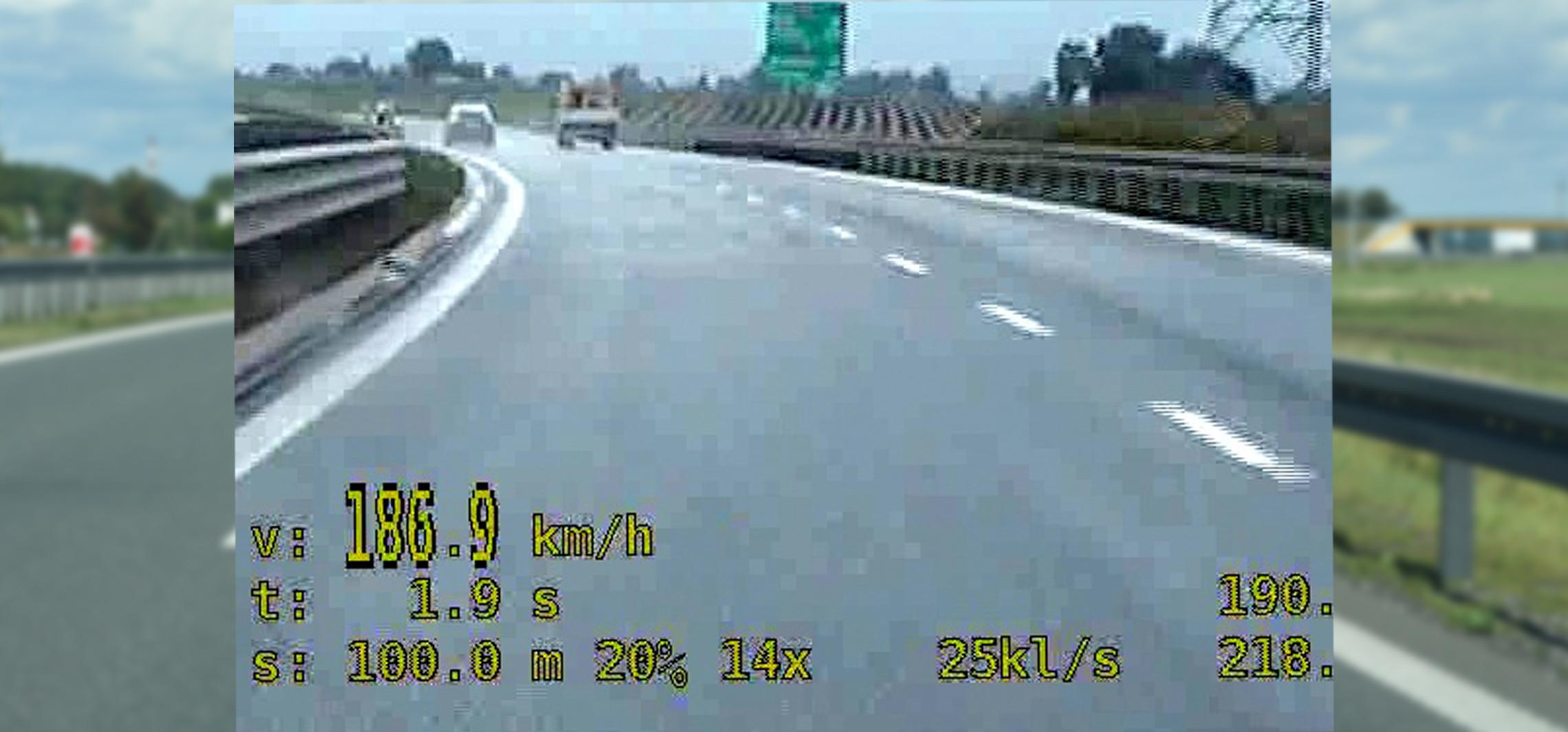 Inowrocław - 0,8 promila i 186 km/h na obwodnicy