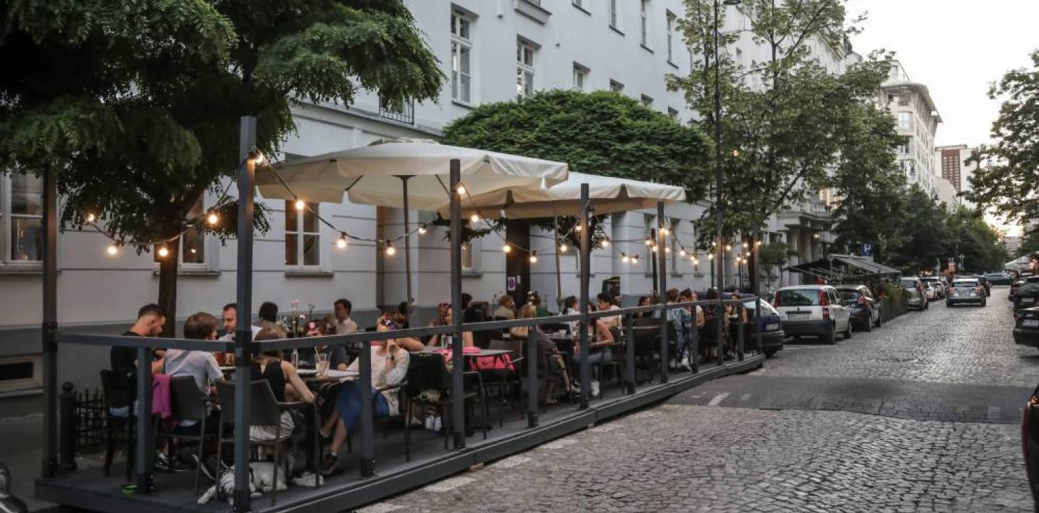 Kraj - KRD: długi hotelarzy i restauratorów przekraczają 300 mln zł