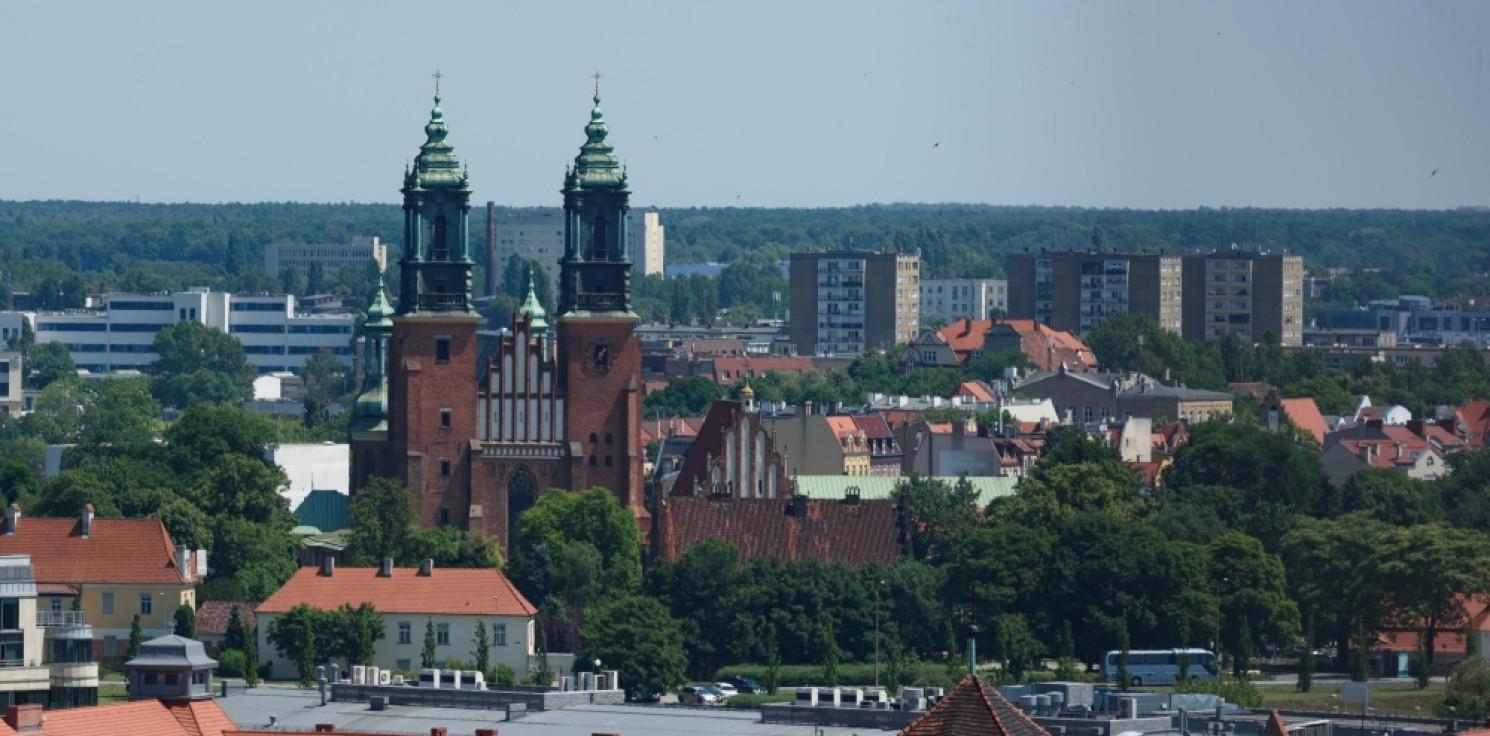 Kraj - Poznań czeka na przywrócenie oryginalnego układu zwrotek w hymnie narodowym
