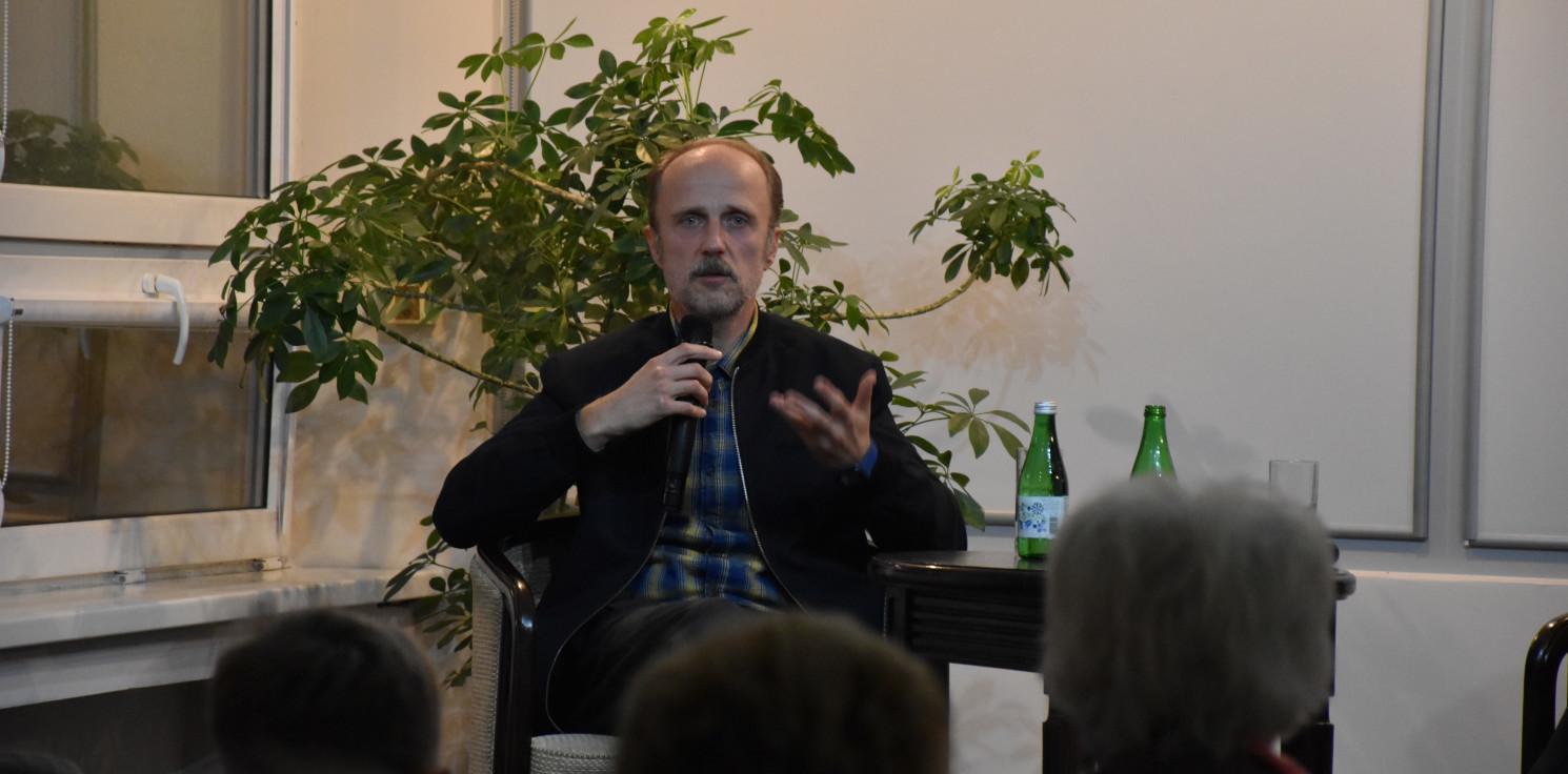 """Inowrocław - Aktor """"BrzydUli"""" i """"Rojst'97"""" odwiedził Inowrocław"""