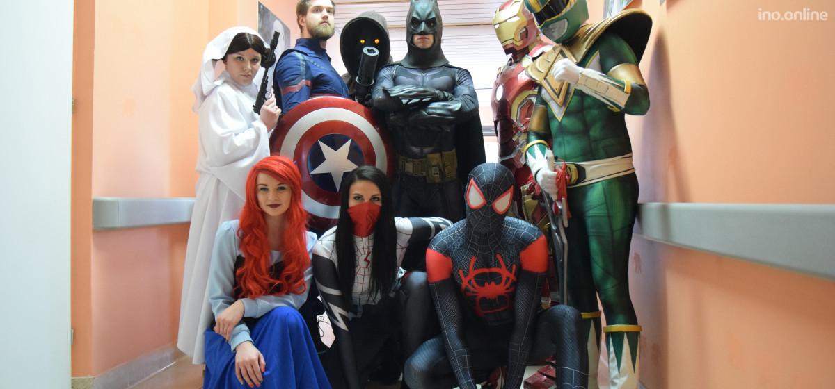 Inowrocław - Superbohaterowie odwiedzili pacjentów - Ino.online ... 5c6885c03b