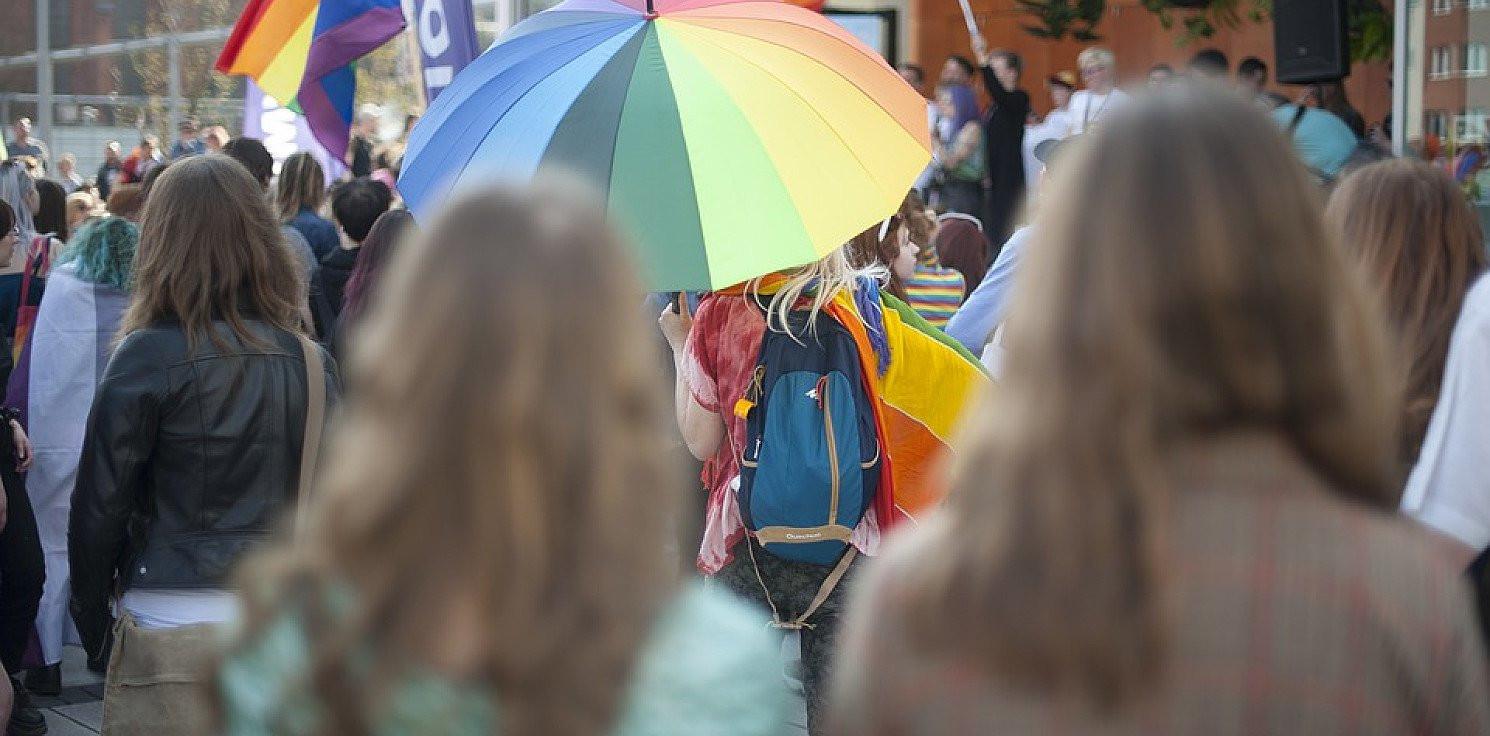 Inowrocław - Tęczowy piątek. Solidarność pisze do szkół