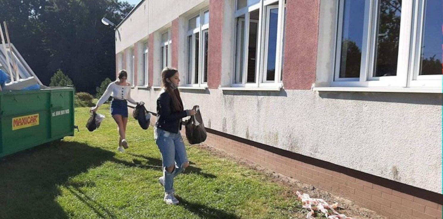 Region - Młodzież włączyła się w akcję sprzątania świata