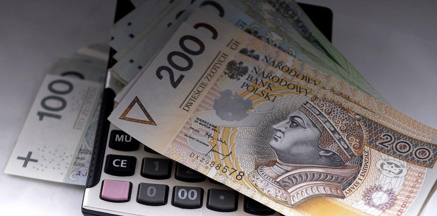Kraj - Krajowy Rejestr Długów: łączne zadłużenie Polaków sięga 47,8 mld zł