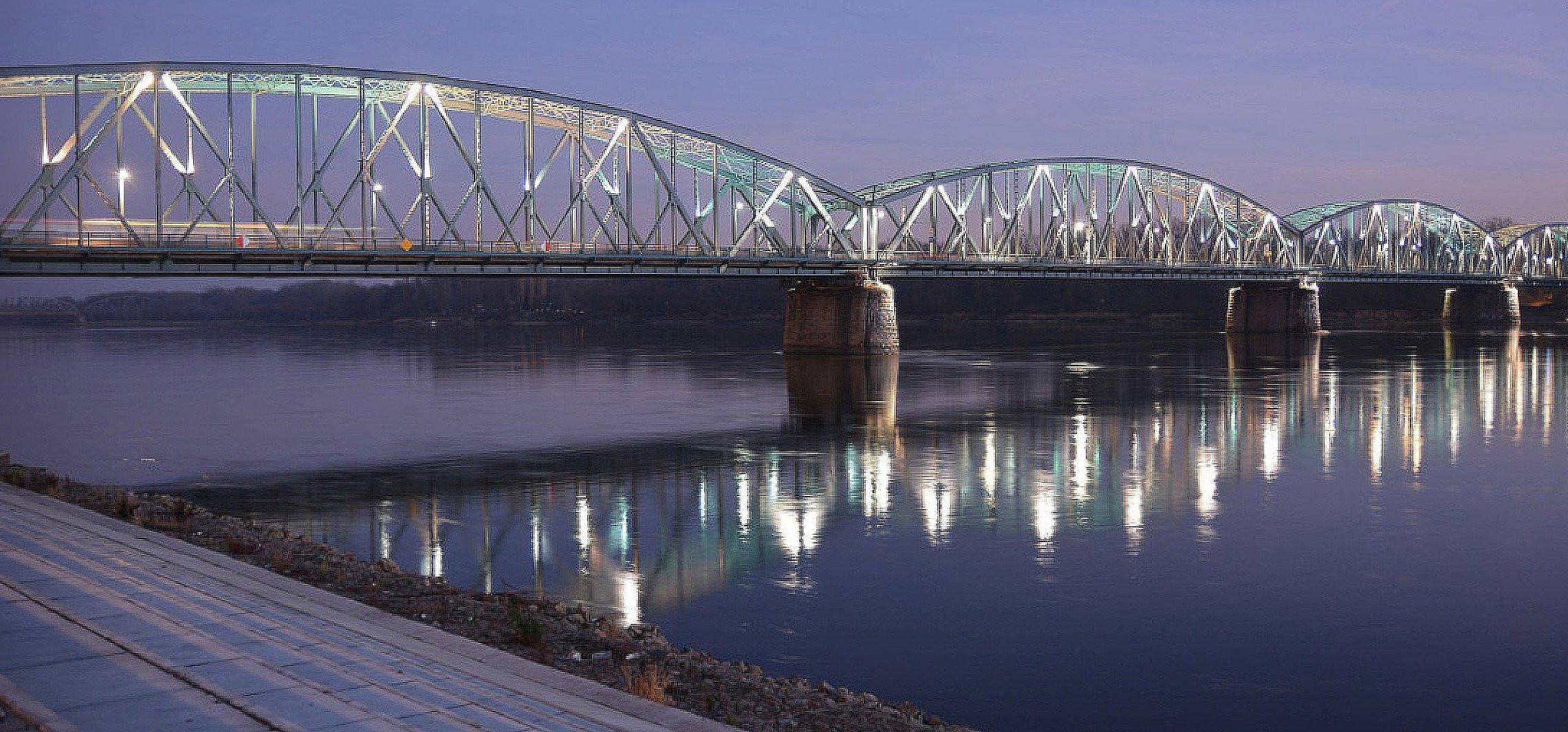 Toruń - Kto zepchnął mężczyznę z mostu? Wraca sprawa sprzed 20 lat