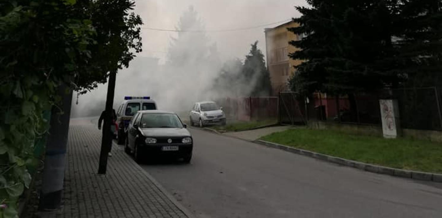 Inowrocław - Duże zadymienie na ulicy Chrobrego