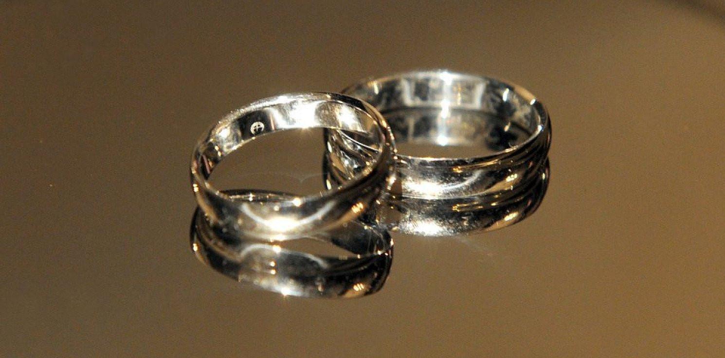 Kraj - GUS: w I półroczu 2020 zawarto ok. 29 tys. mniej małżeństw niż rok temu