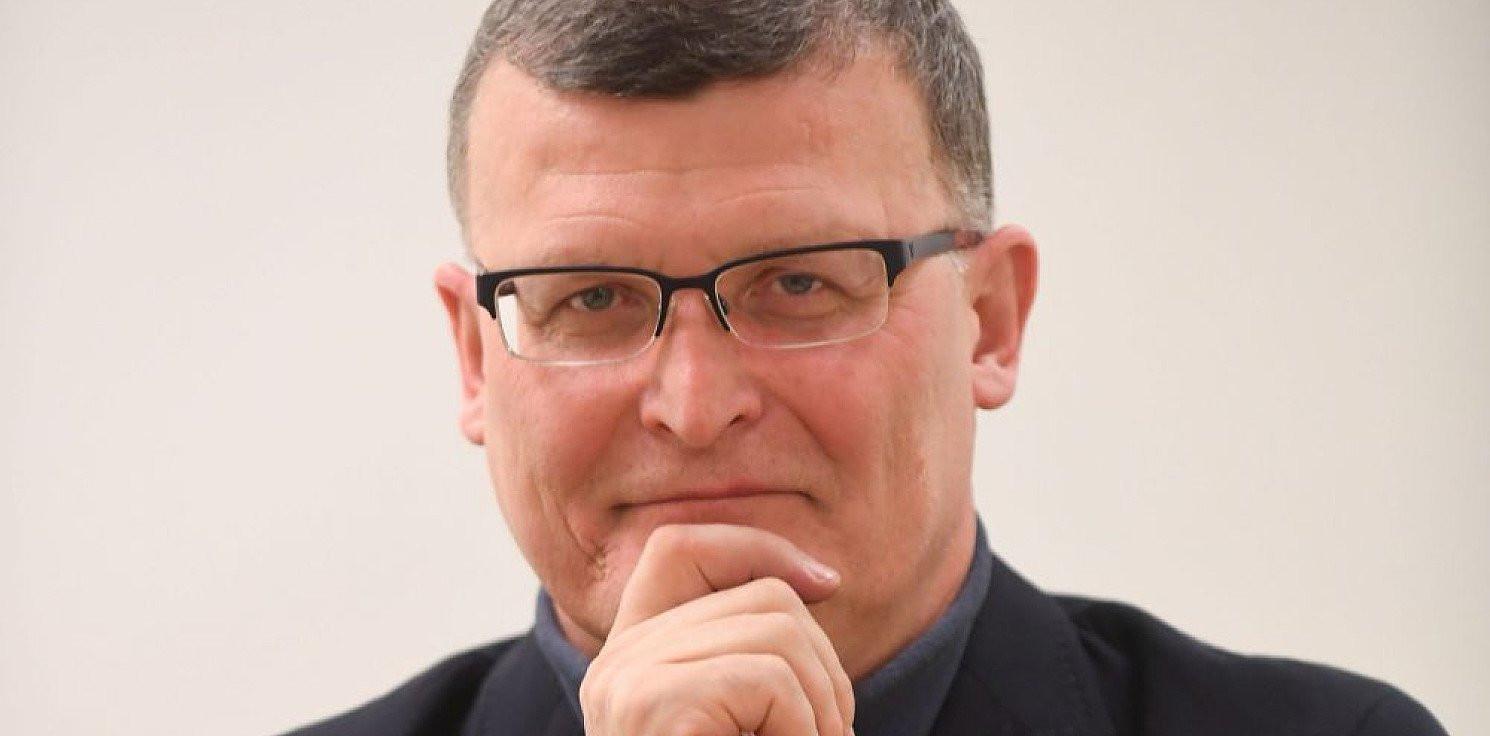 Kraj - Dr Grzesiowski o liczbie zachorowań: konieczne jest wzmocnienie systemu opieki zdrowotnej
