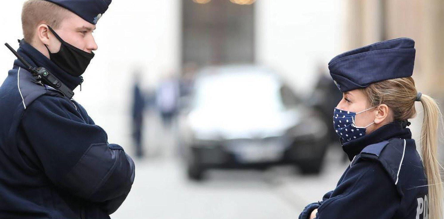 Kraj - KGP: ponad 55 tys. osób ukaranych mandatami za brak maseczki