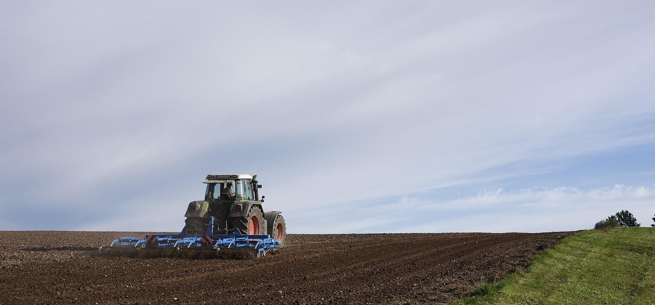 Kujawsko-Pomorskie - Mężczyznę wciągnęła maszyna rolnicza. Zginął na miejscu