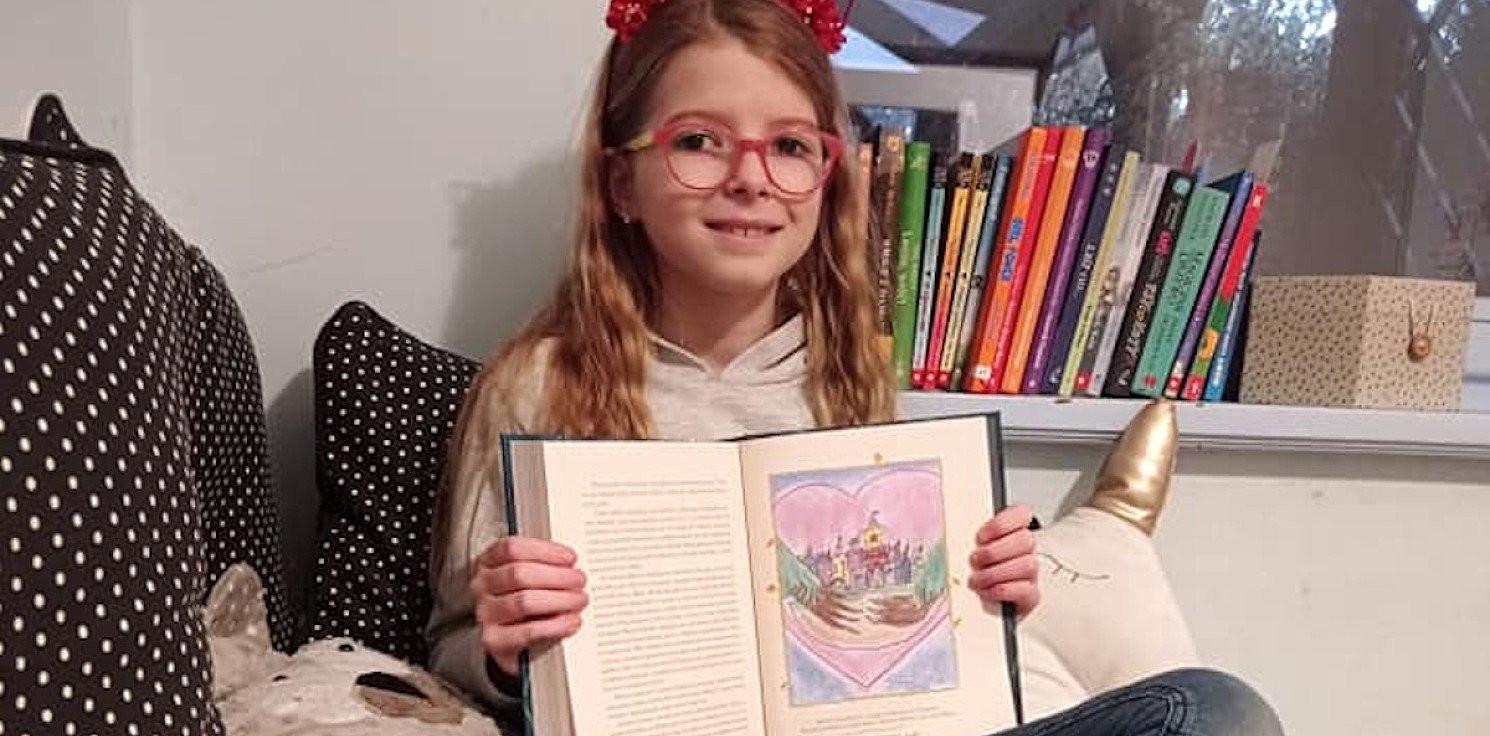 Inowrocław - Inowrocławianka ilustratorką książki J. K. Rowling