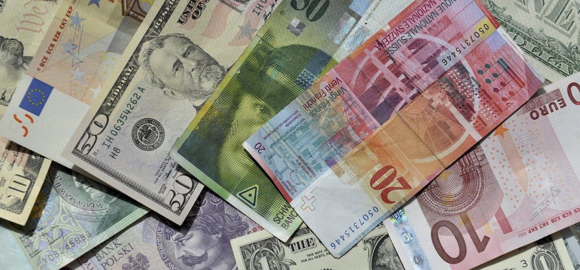 Badanie: niskie ryzyko zakażenia wskutek używania banknotów