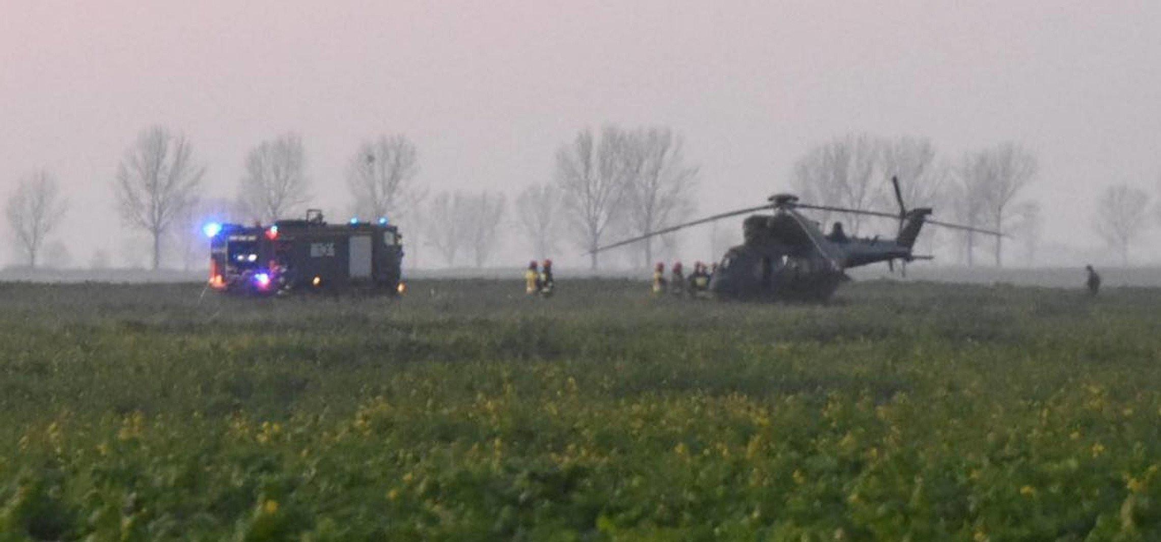 Dąbrowa Biskupia - Awaryjne lądowanie wojskowego śmigłowca