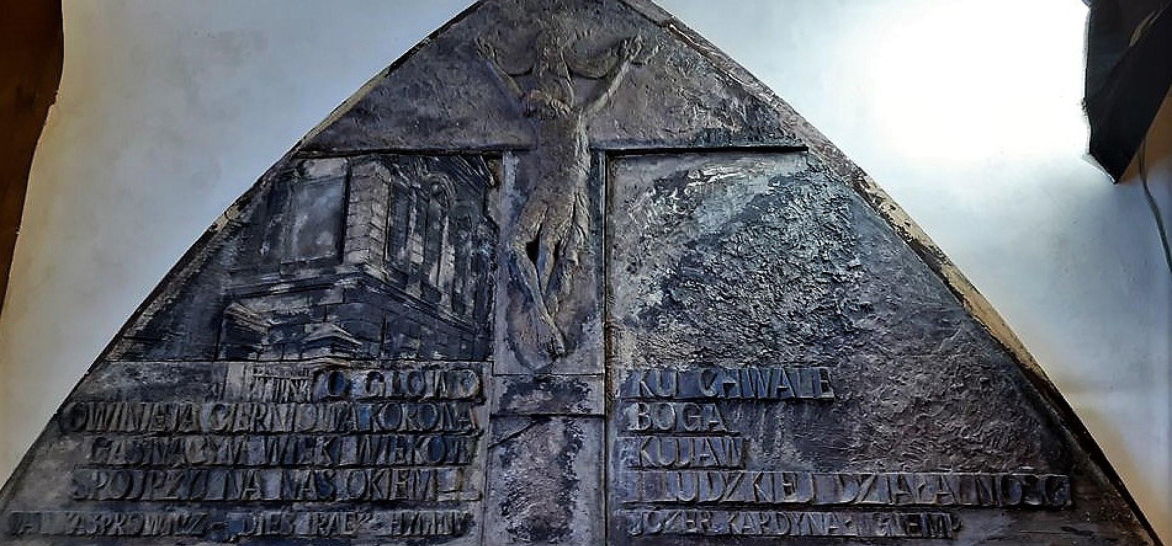 Inowrocław - Drzwi jubileuszowe do fary coraz bliżej