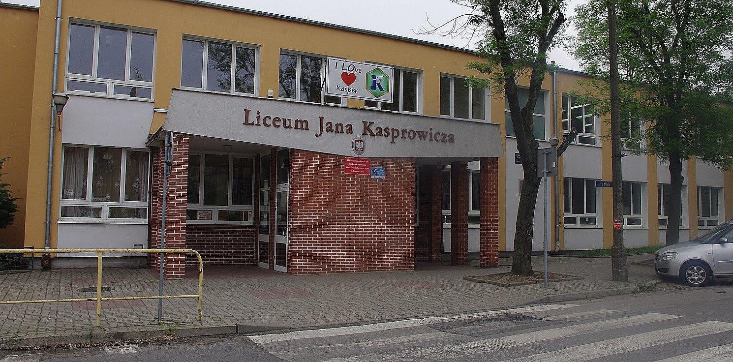 """Inowrocław - Cztery stypendia MEN dla uczniów """"Kaspra"""""""
