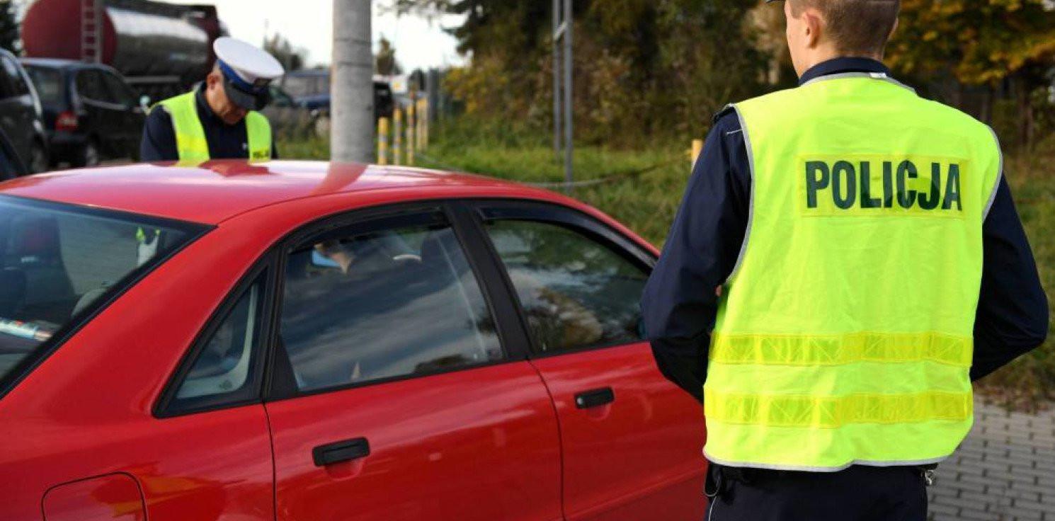 Kraj - KGP: od soboty kierowcy nie muszą mieć przy sobie prawa jazdy; obowiązek jego posiadania mają obcokrajowcy
