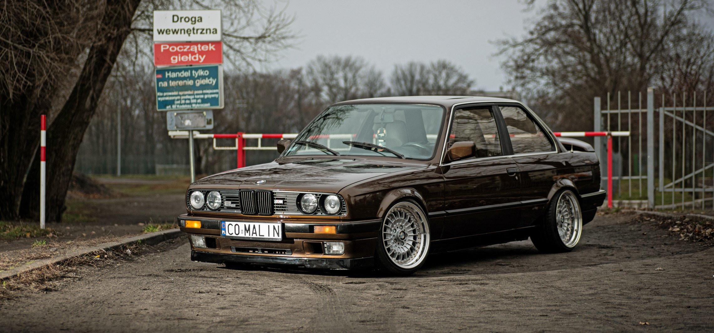 Takie BMW E30 po latach wciąż cieszy oko